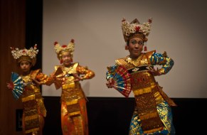 Three generations of Balinese dancersrs